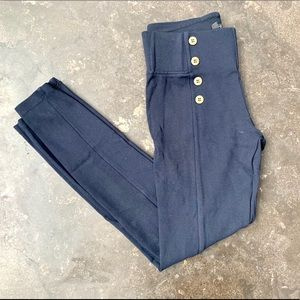 Zara Basics navy button skinny pants. Size Small